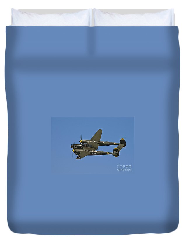 P-38 Lightning Duvet Cover featuring the photograph Lighting Banking by Tim Mulina