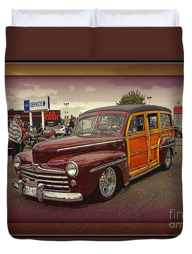 Cars Duvet Cover featuring the photograph Little Old Woody by Randy Harris