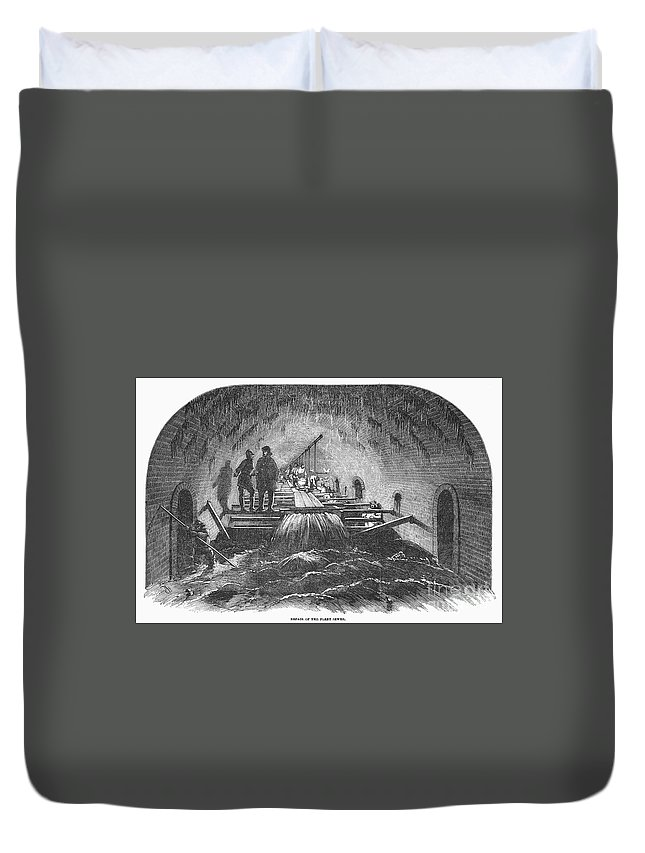 1854 Duvet Cover featuring the photograph London: Fleet Street Sewer by Granger