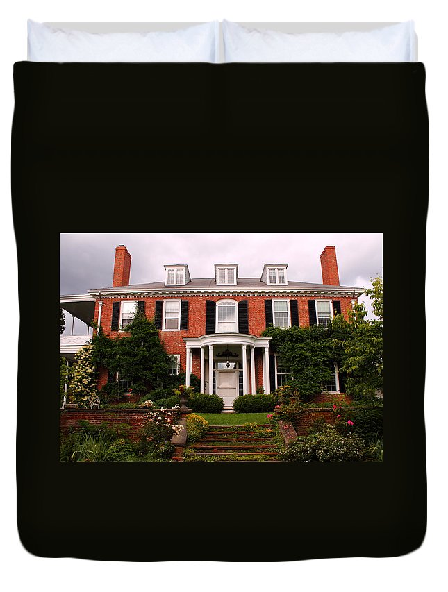 Sedgwick Mansion Duvet Cover featuring the photograph Long Hill by Jeff Heimlich