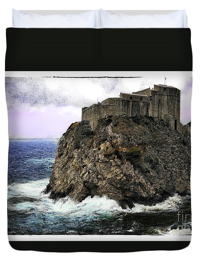 Lovrijenac Duvet Cover featuring the photograph Lovrijenac Tower In Dubrovnik by Madeline Ellis