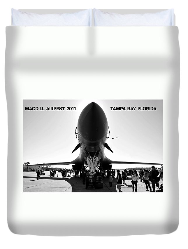 Fine Art Photography Duvet Cover featuring the photograph Macdill Airfest by David Lee Thompson