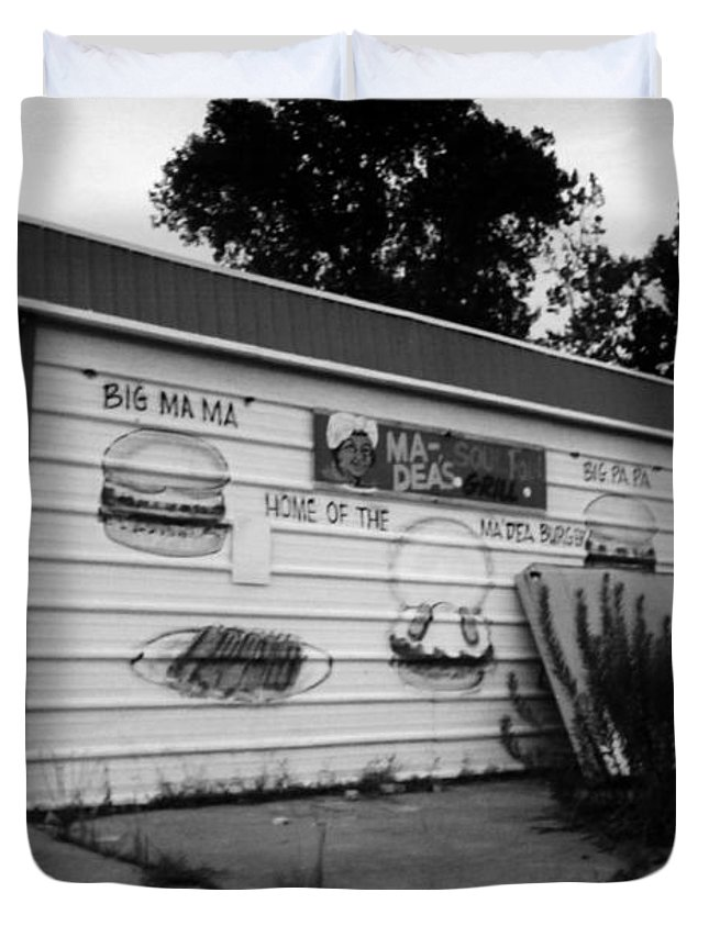 Louisiana Duvet Cover featuring the photograph Madeas Soul Food Grill by Doug Duffey
