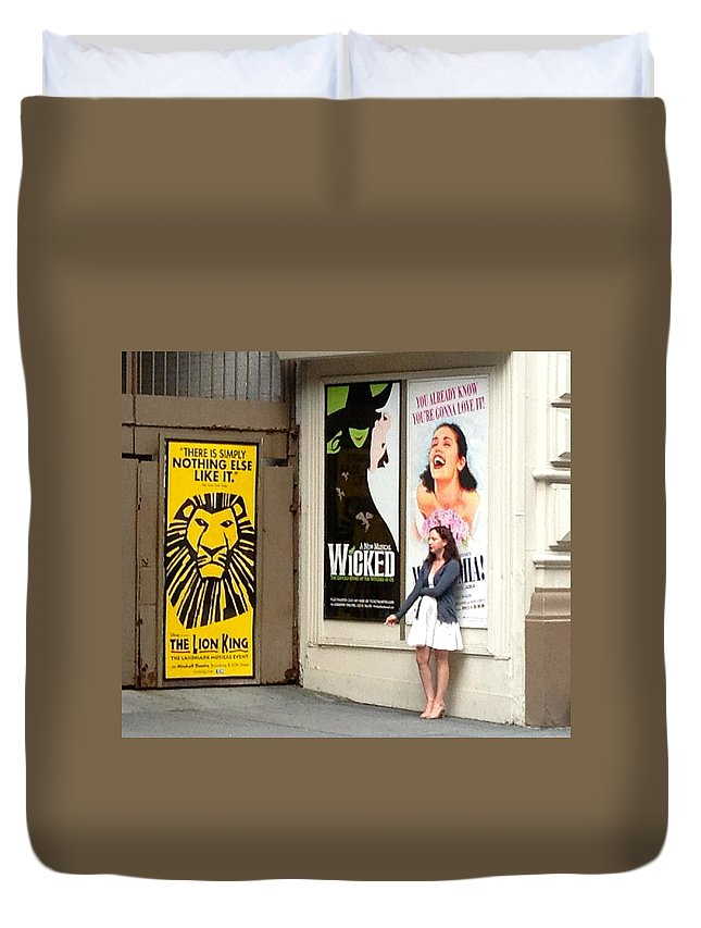 Mama Mia New York City Actress Smoker Smoking Sign Banner Duvet Cover featuring the photograph Mama Mia Smoke Break by Alice Gipson