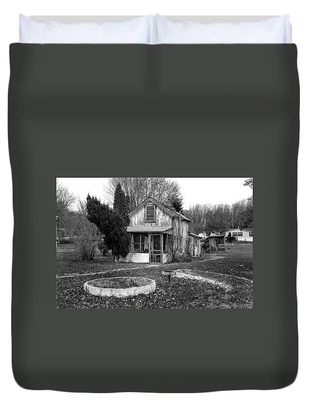 Duvet Cover featuring the photograph Maryland 4 by Burney Lieberman