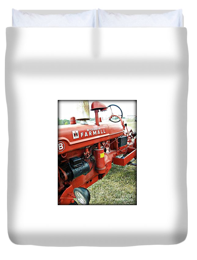 Tractor Duvet Cover featuring the photograph Mccormick Farmall by Tisha Clinkenbeard