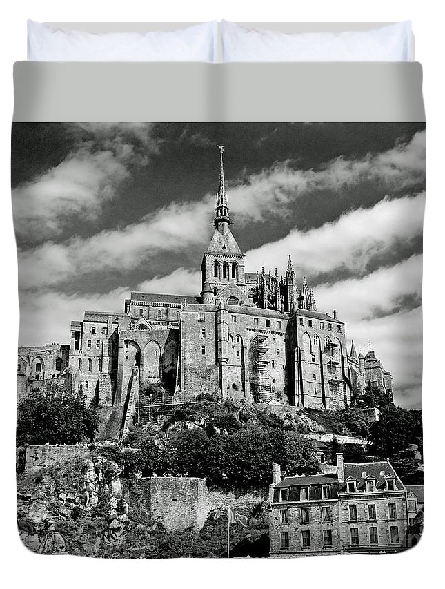 Duvet Cover featuring the photograph Mont St. Michel by Jim Chamberlain