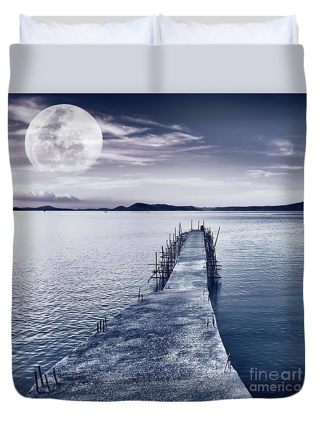 Moonlight Duvet Cover featuring the photograph Moon by MotHaiBaPhoto Prints