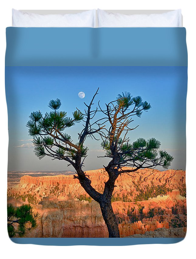 Bryce Canyon Duvet Cover featuring the photograph Moon Over Bryce Canyon by Greg Norrell