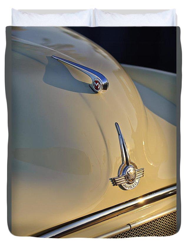 Morris Minor 1000 Duvet Cover featuring the photograph Morris Minor 1000 Hood Ornament by Jill Reger