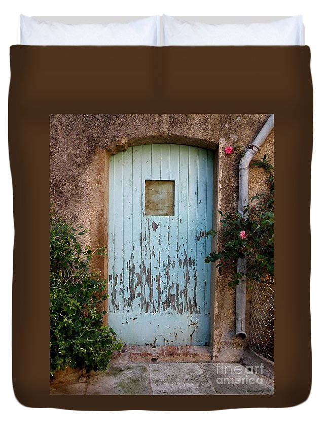 Door Duvet Cover featuring the photograph Mouse Door by Lainie Wrightson
