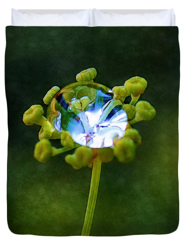 Florets Duvet Cover featuring the photograph Nature's Diamond Ring by Judi Bagwell