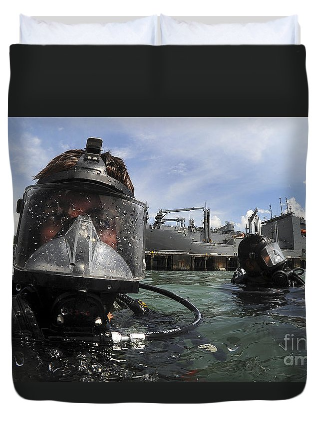 Panama Duvet Cover featuring the photograph Navy Diver Wearing A Mk-20 Diving Mask by Stocktrek Images