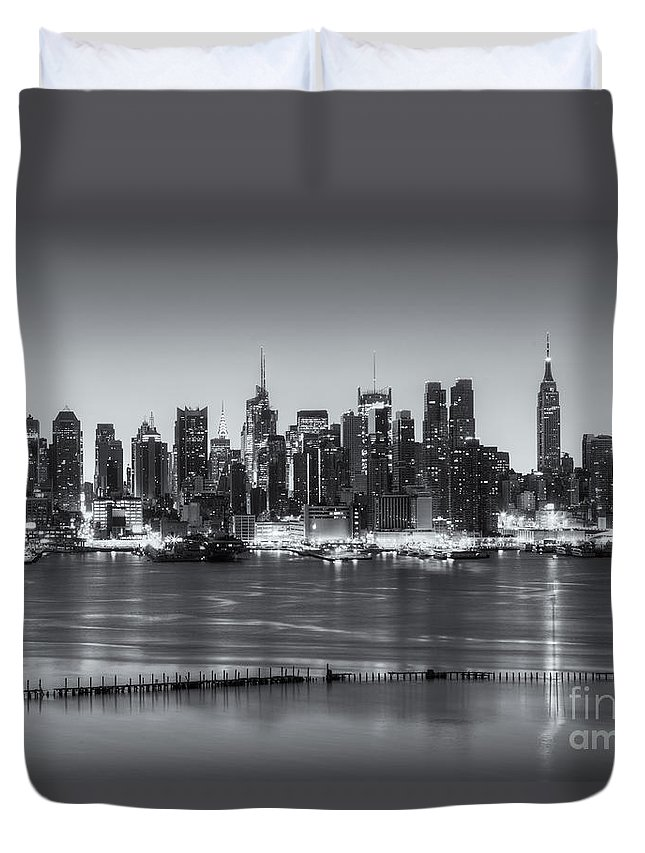 Clarence Holmes Duvet Cover featuring the photograph New York City Skyline Morning Twilight Iv by Clarence Holmes
