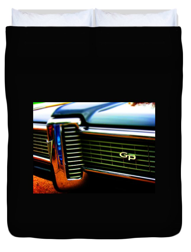 Gp Duvet Cover featuring the photograph Nice Gp by Adam Vance