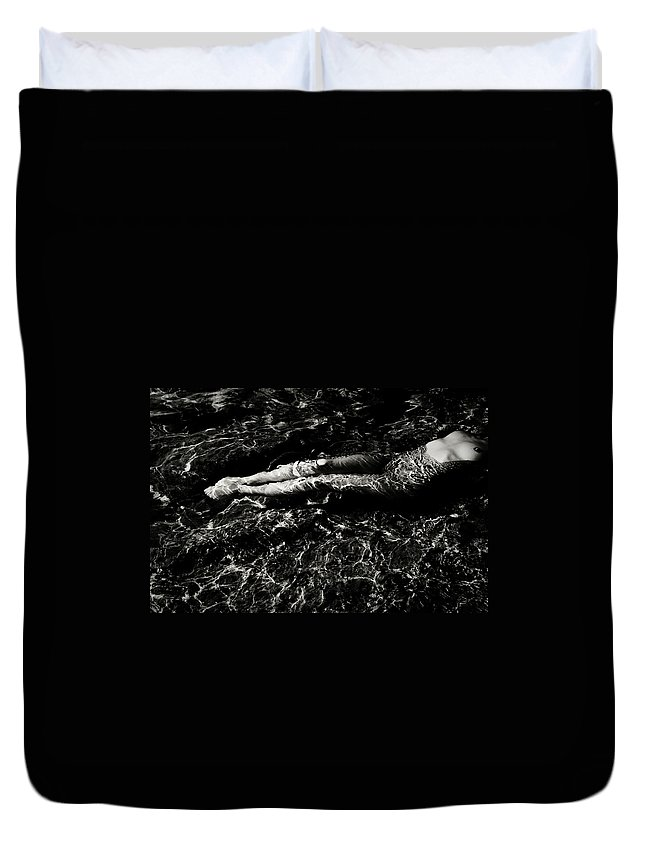 Black And White Duvet Cover featuring the photograph Nude In The Sea by Olivier De Rycke