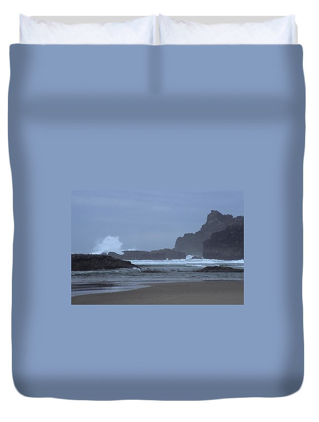 Ocean Duvet Cover featuring the photograph Ocean Splash by One Rude Dawg Orcutt