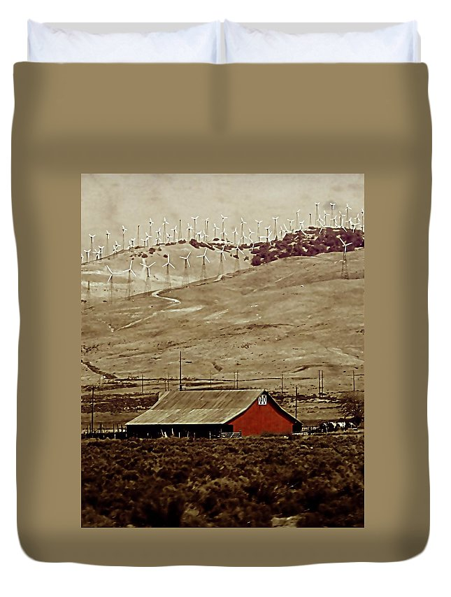 Barn Duvet Cover featuring the photograph Old And New by Ellen Heaverlo