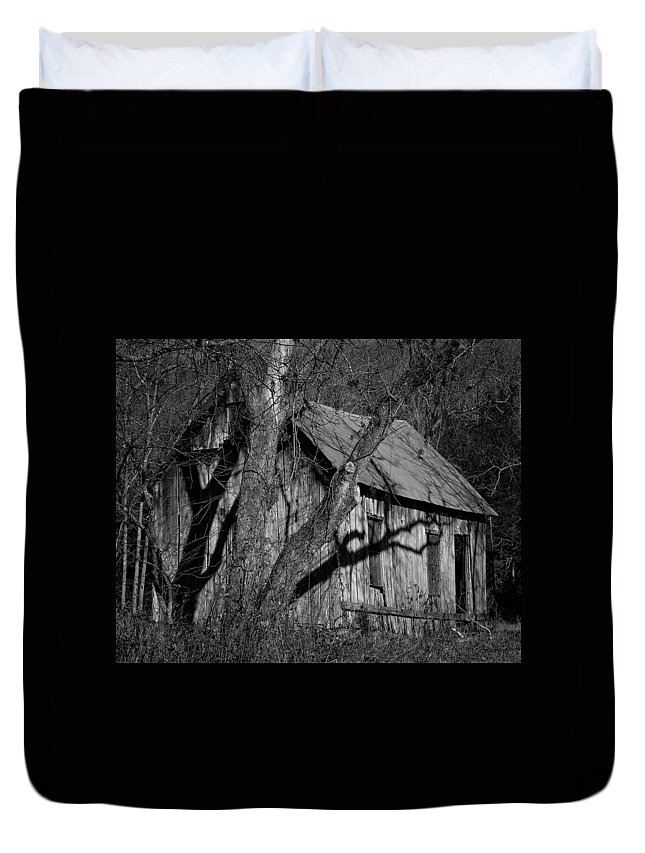 Lost Valley Duvet Cover featuring the photograph Old Clark Homestead Lost Valley by Michael Dougherty