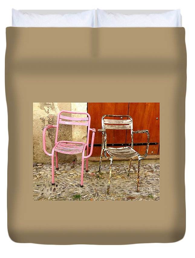 Chairs Duvet Cover featuring the photograph Old Friends by Lainie Wrightson