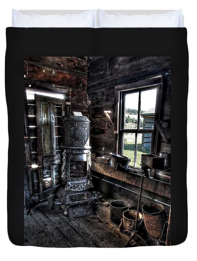 Stove Duvet Cover featuring the photograph Old Ghost Town Stove - Molson Washington by Daniel Hagerman
