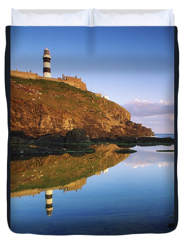 County Cork Duvet Cover featuring the photograph Old Head Of Kinsale by Richard Cummins