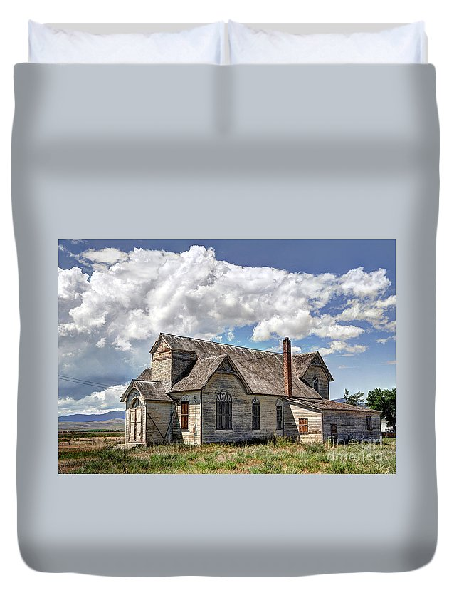 Historic Duvet Cover featuring the photograph Old Schoolhouse - Ovid - Idaho by Gary Whitton