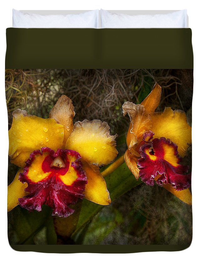 Orchid Duvet Cover featuring the photograph Orchid - Cattleya - Dripping With Passion by Mike Savad