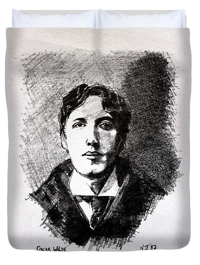 Pencil Duvet Cover featuring the drawing Oscar Wilde by John Nolan