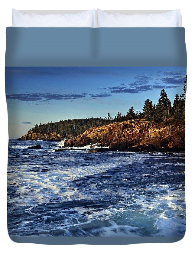 Otter Cliffs Duvet Cover featuring the photograph Otter Cliffs by Rick Berk