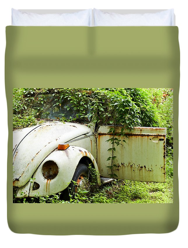 Vw Bug Duvet Cover featuring the photograph Outta Here by Carolyn Marshall