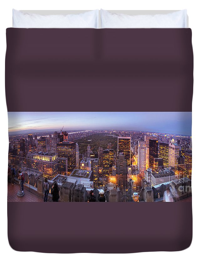 Art Duvet Cover featuring the photograph Overlooking Central Park by Yhun Suarez