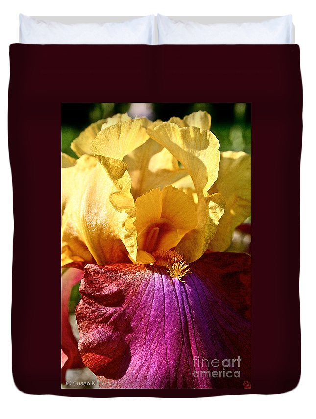 Plant Duvet Cover featuring the photograph Party Colors by Susan Herber