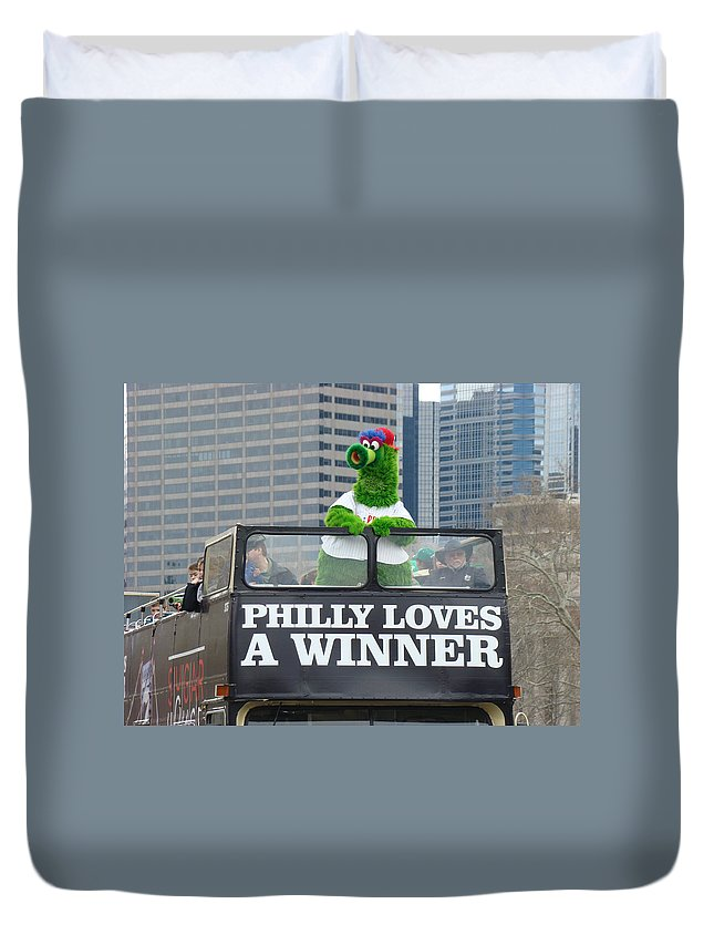 Philly Loves A Winner Bus Parade Phanatic Green City Philadelphia Duvet Cover featuring the photograph Philly Loves A Winner by Alice Gipson