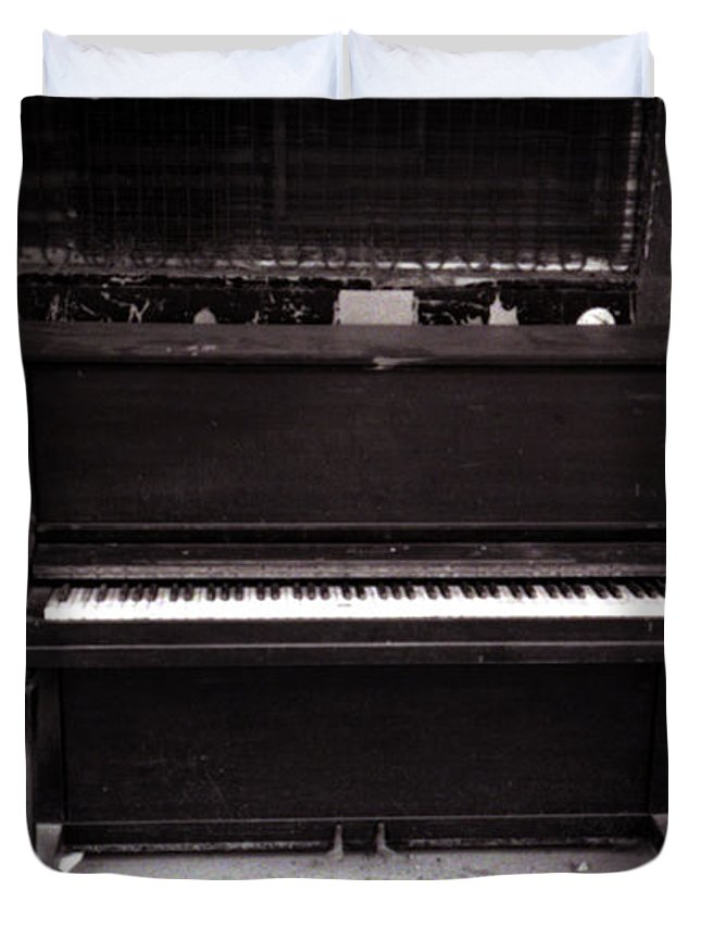 Louisiana Duvet Cover featuring the photograph Piano Bar- Tallulah Louisiana by Doug Duffey