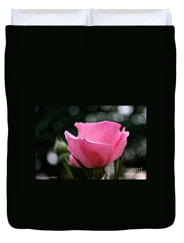 Outdoors Duvet Cover featuring the photograph Pink Pearl by Susan Herber