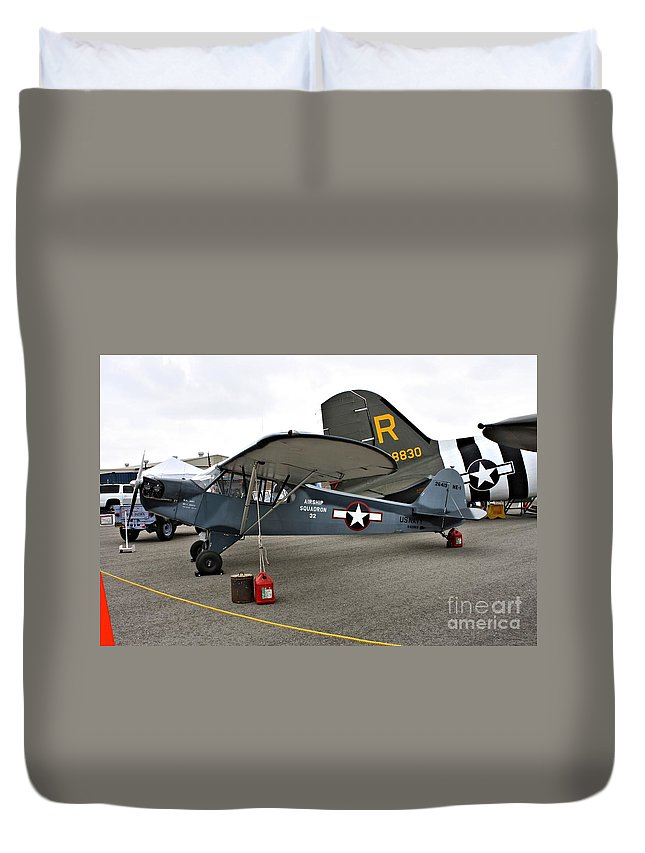 Piper Duvet Cover featuring the photograph Piper L4 Grasshopper Usn by Tommy Anderson