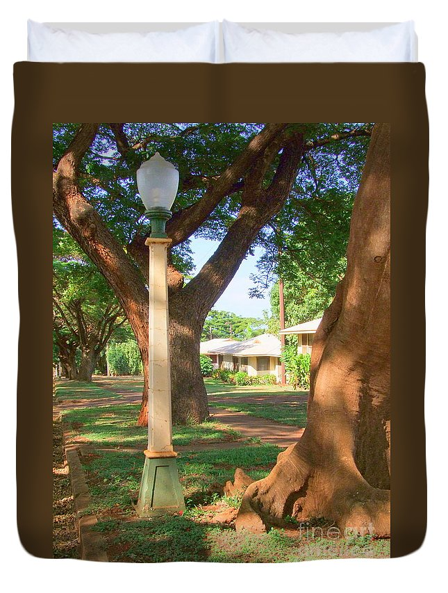 Mary Deal Duvet Cover featuring the photograph Plantation Street Lamp by Mary Deal