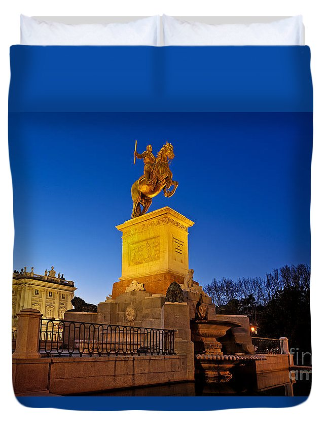 Felipe Iv Duvet Cover featuring the photograph Plaza De Oriente by John Greim