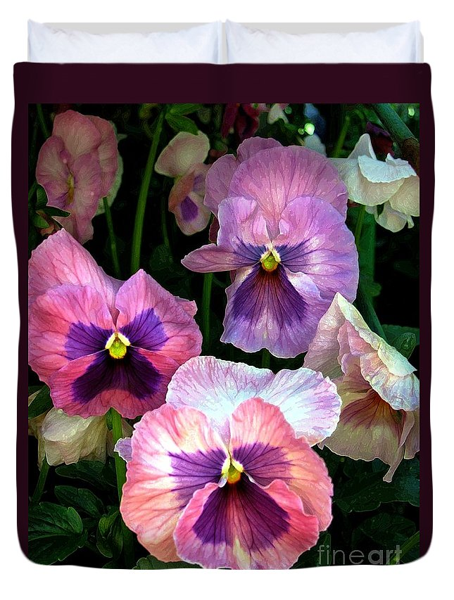 Flowers Duvet Cover featuring the digital art Pretty In Pink by Dale  Ford