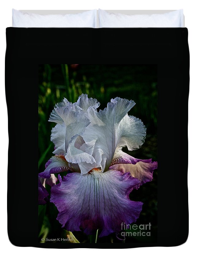 Plant Duvet Cover featuring the photograph Purple Hues by Susan Herber