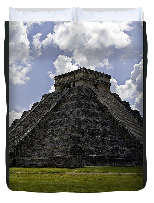 Chichen Itza Duvet Cover featuring the photograph Pyramid Of Kukulkan by Ken Frischkorn