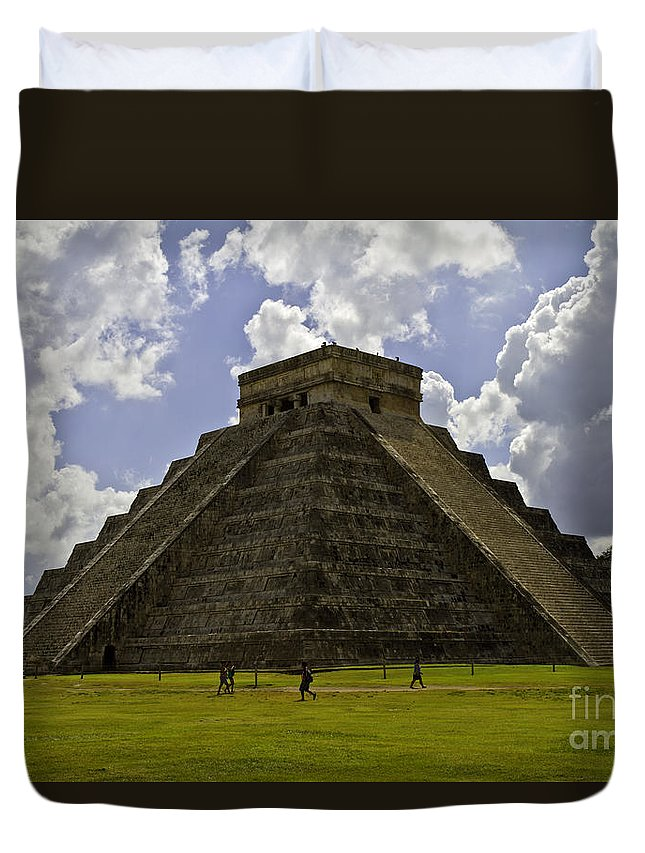Chichen Itza Duvet Cover featuring the photograph Pyramid Of Kukulkan Two by Ken Frischkorn