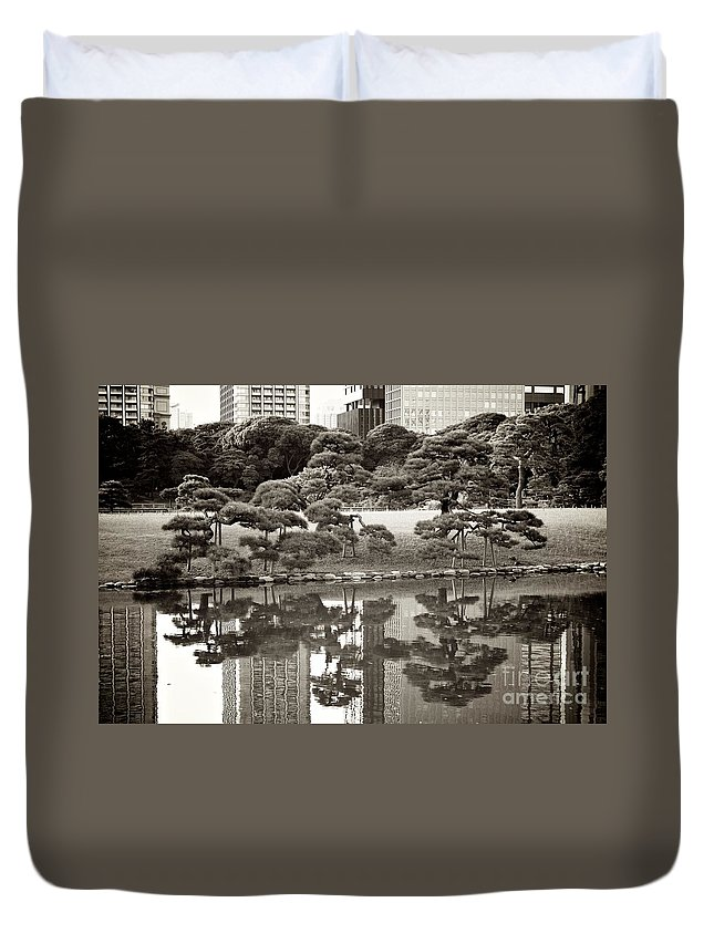 Tokyo Duvet Cover featuring the photograph Quiet Moment In Tokyo by Carol Groenen