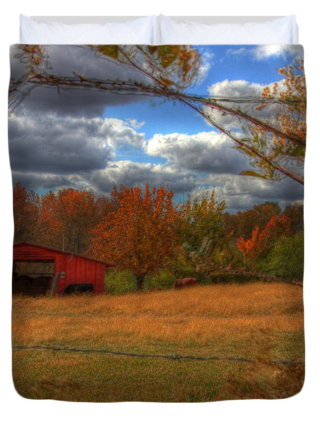 Barn Duvet Cover featuring the photograph Red Barn1 by Debbie Morris