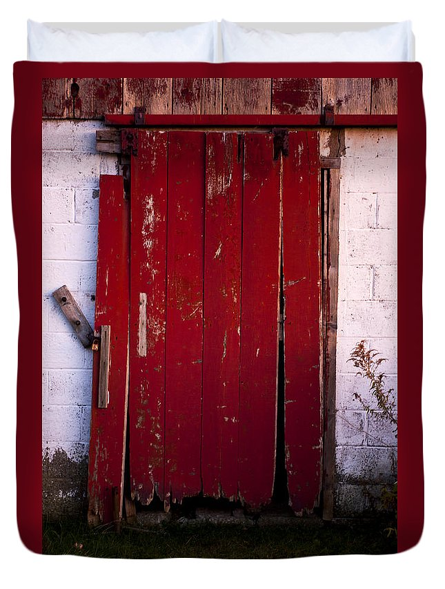 Farm Duvet Cover featuring the photograph Red Door by Cale Best