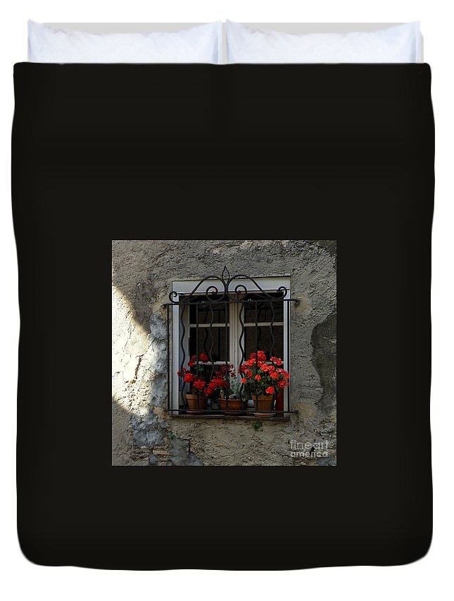 Windows Duvet Cover featuring the photograph Red Geraniums In Window by Lainie Wrightson