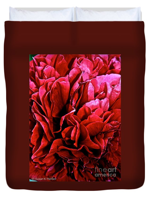 Plant Duvet Cover featuring the photograph Red Ruffles by Susan Herber