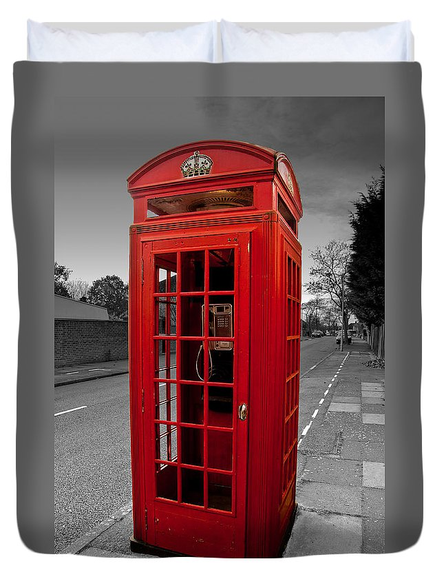 Telephone Box Duvet Cover featuring the photograph Red Telephone Box by Dawn OConnor
