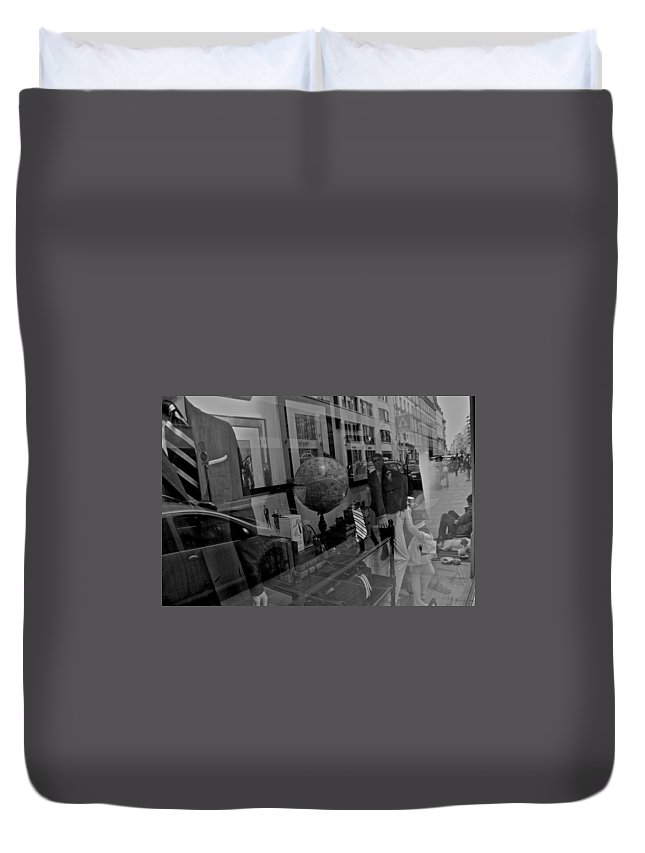 France Duvet Cover featuring the photograph Reflections On The World by Eric Tressler